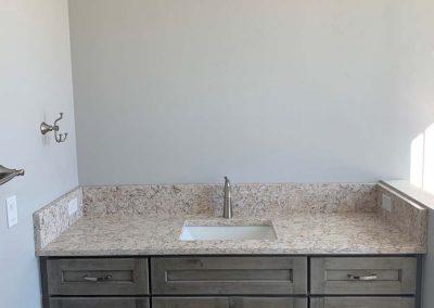 Schwarz Bathroom Vanity